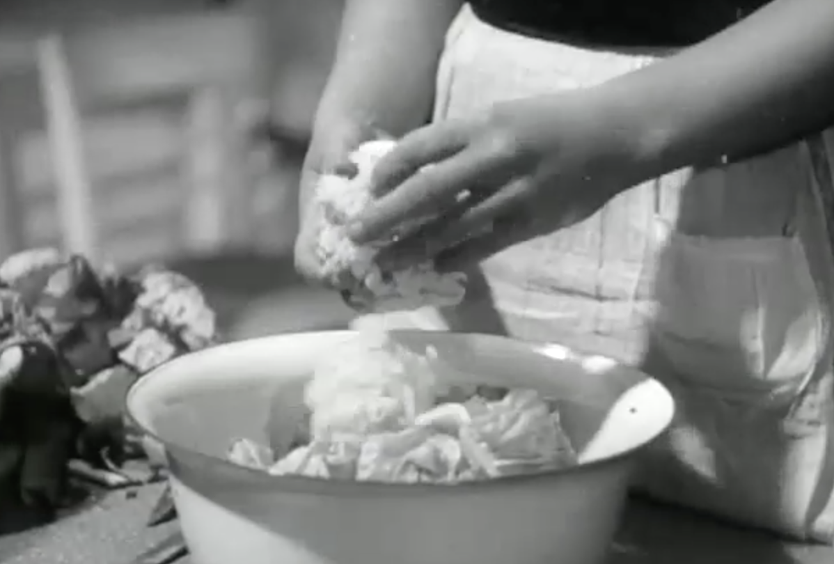 A German propaganda film warns of the dangers of vitamin deficiencies that lead to rickets.